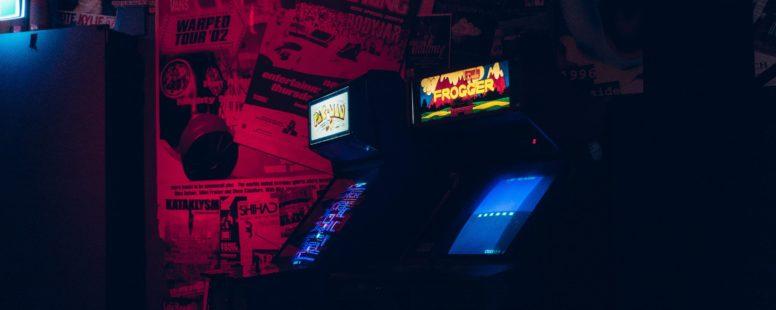 Parę informacji o zintegrowanych środowiskach do tworzenia gier komputerowych